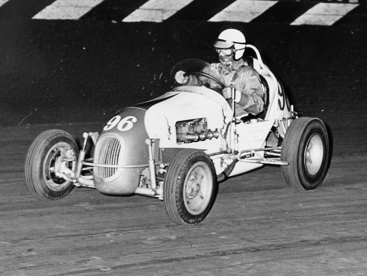 17 1965 #96 Parnelli Jones in the leaqd Ascot Park