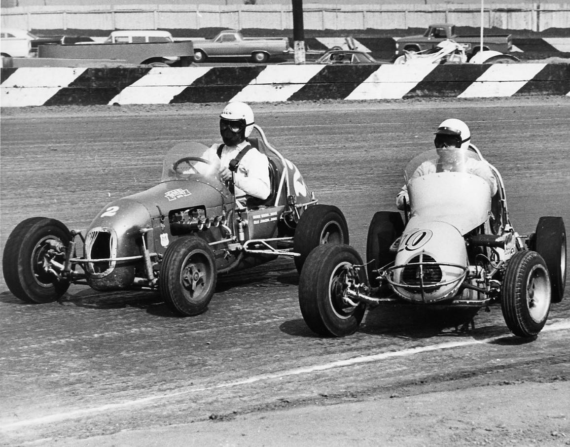 22 1966 #2 G. Benson, #10  G. Snyder D. Caruthers Offy.